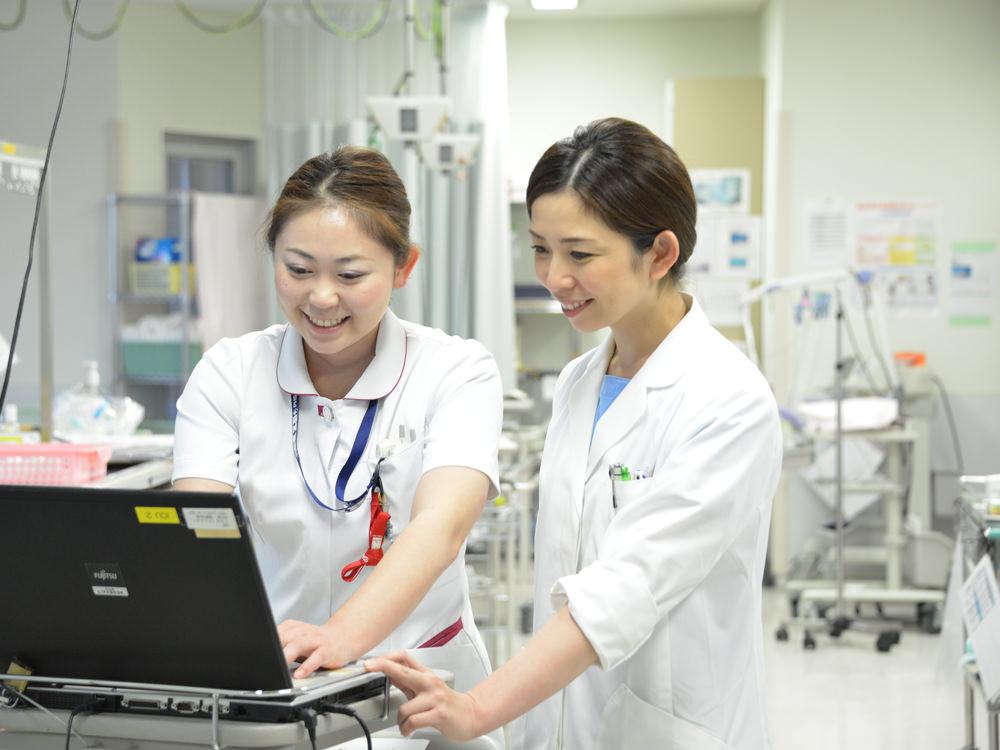 当院の外科では、各分野の専門医が腹腔鏡下手術を中心とした手術を行い、若手を指導しています。